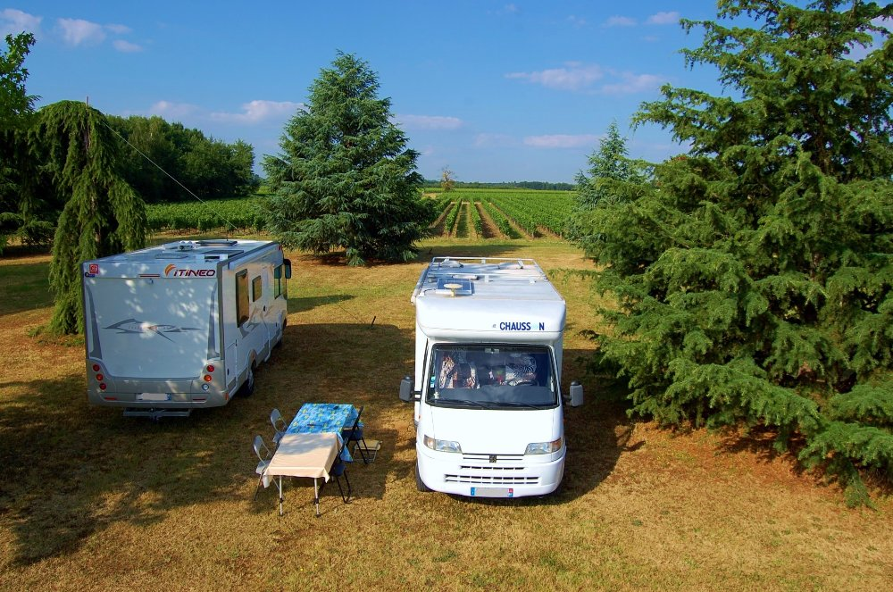 Aire camping-car à Vayres (33870) - Photo 7